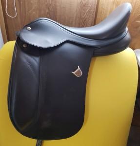 Black 16 Inch Bates Pony Saddle