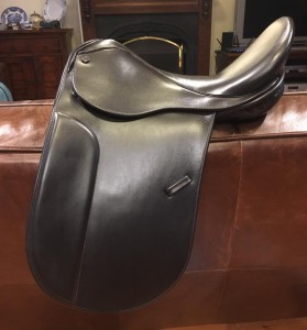"17"" Mal Byrne Turnout Saddle"